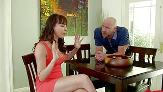 Cum swapping wife Dana Dearmond enjoys having sex around a side