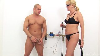 Mature feels verifiable dominating younger fuck chum