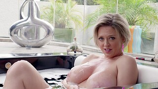 Cougar Dee Williams drops the brush red tights to ride a fat cock