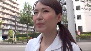 Small tits Japanese chick opens her legs to be pleasured with a toy